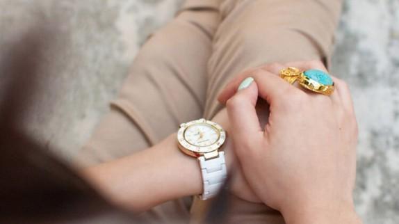 Xuất xứ, giá cả và chất lượng đồng hồ Anne Klein