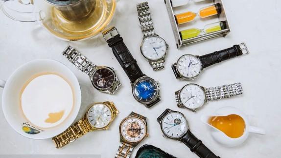 """Top 4 mẫu đồng hồ nam màu trắng khiến đàn ông """"say như điếu đổ""""!"""