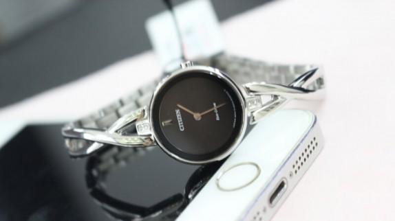 Những mẫu đồng hồ nữ hot nhất hiện nay