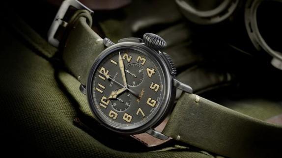 """Đồng hồ phi công - """"Trinh thám dò đường"""" trong những cuộc không chiến!"""