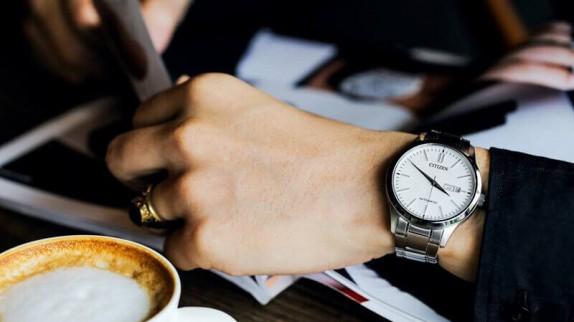 Những điều về kính Mineral mà người đeo đồng hồ cần biết