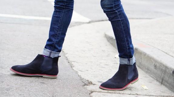 Mách nước cách phối giày với quần jeans nam hợp thời trang