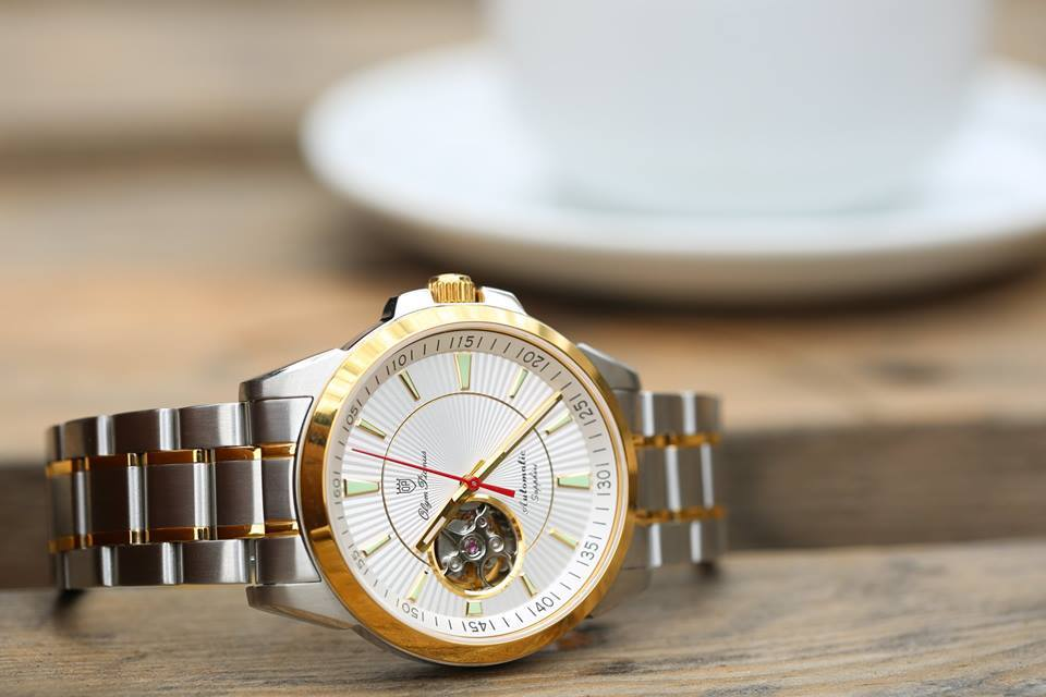 Đồng hồ OP 316L sử dụng những chất liệu gì?
