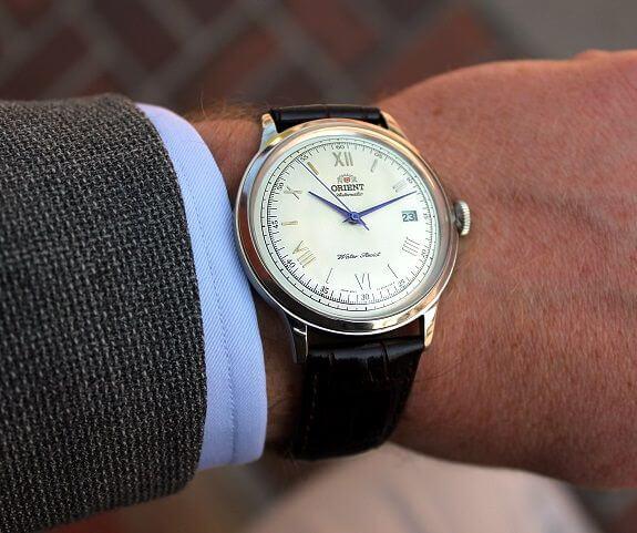 """Mức """"khởi điểm"""" cho giá đồng hồ cơ: Bao nhiêu là đủ?"""