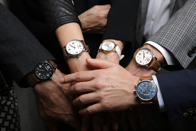 Chuyên gia khuyên cổ tay to nên đeo đồng hồ gì?