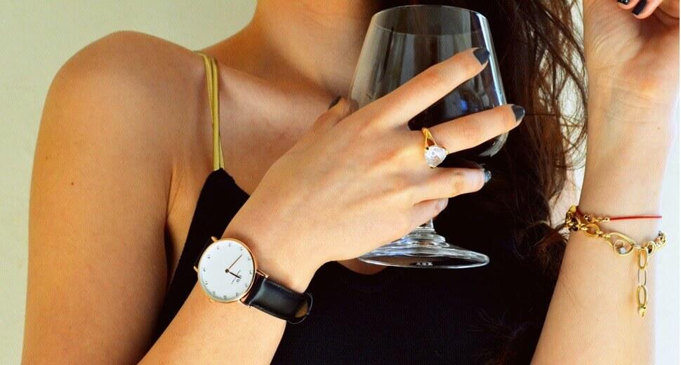Top đồng hồ nữ cao cấp dây da ưa chuộng