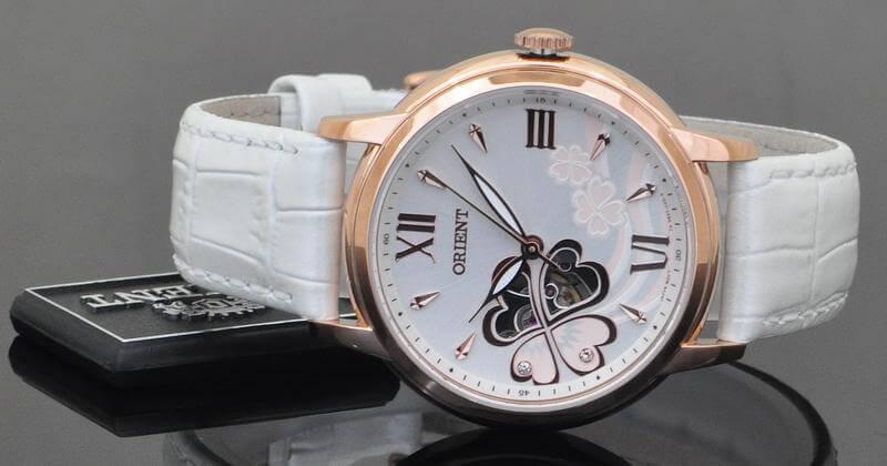 4 mẫu đồng hồ cơ lộ máy cho nữ được yêu thích nhất
