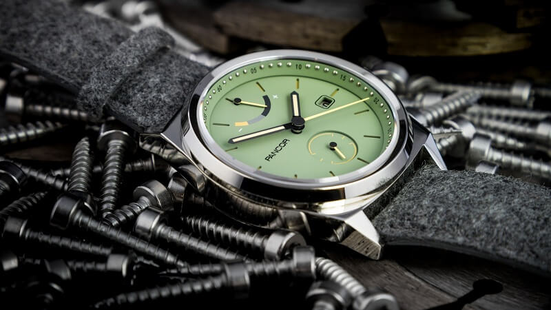 Đồng hồ cơ và đồng hồ pin, chọn loại nào?