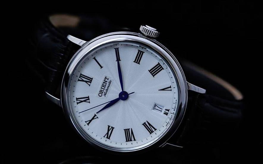 Gợi ý đồng hồ dây da đẹp cho nam là dân công sở