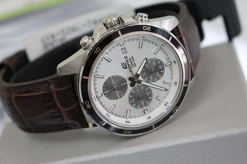 Khám phá thiết kế nổi bật của đồng hồ casio Edifice dây da