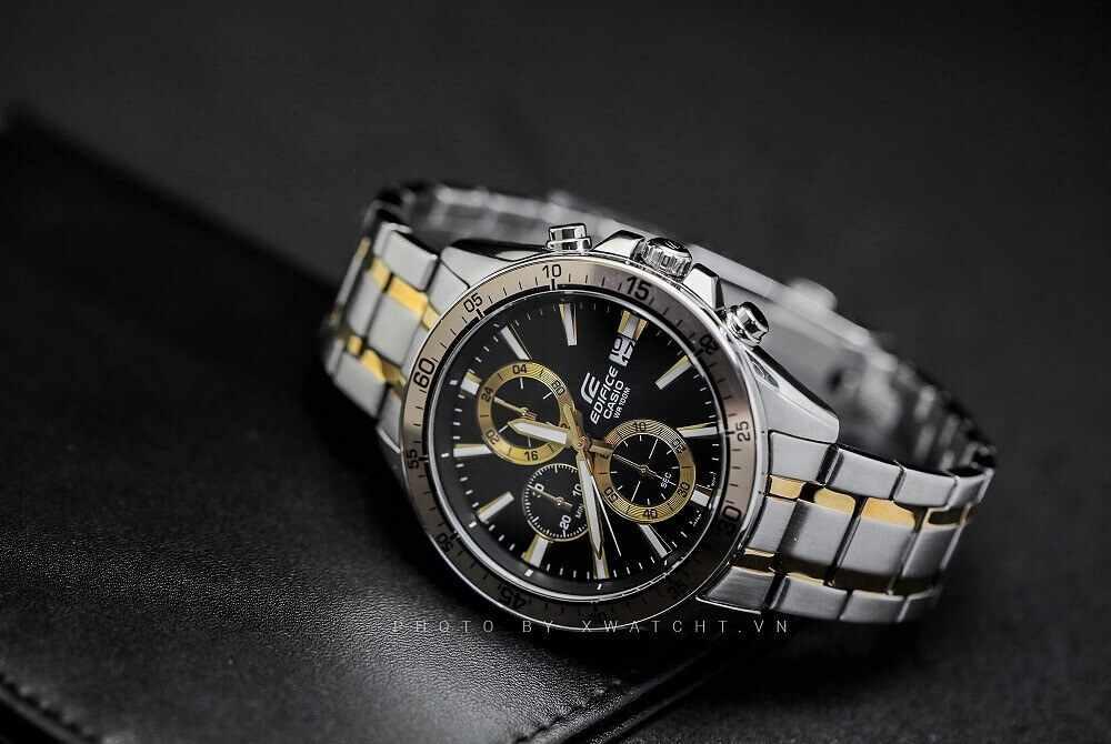 Giải đáp thắc mắc: Nên mua đồng hồ quartz hay automatic?