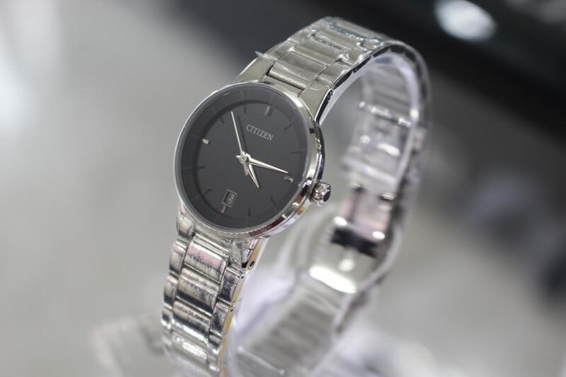 Săn lùng đồng hồ nữ giá rẻ tại TPHCM