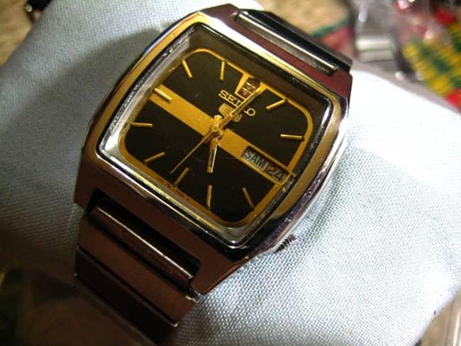 Đồng hồ Seiko cổ mặt vuông: Xưa và nay