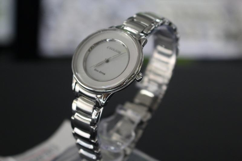 Có thể bạn chưa biết: giá đồng hồ Citizen Quartz bao nhiêu?