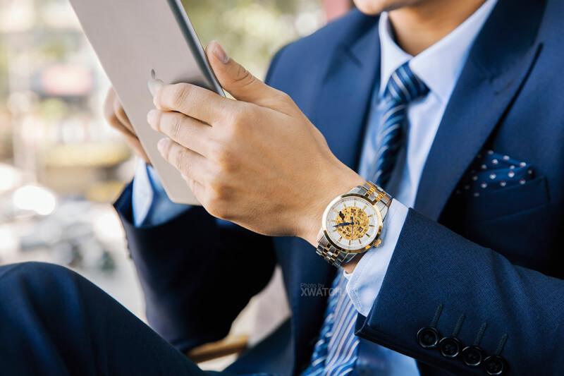 Hỏi đáp cùng chuyên gia: nên đeo đồng hồ lỏng hay chặt?