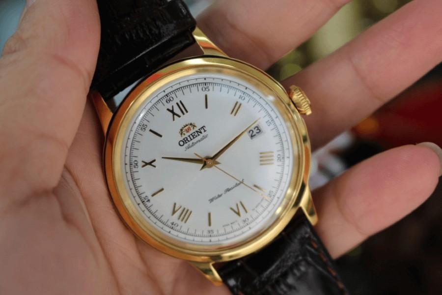 Bí quyết chọn đồng hồ nam trung niên làm quà tặng!