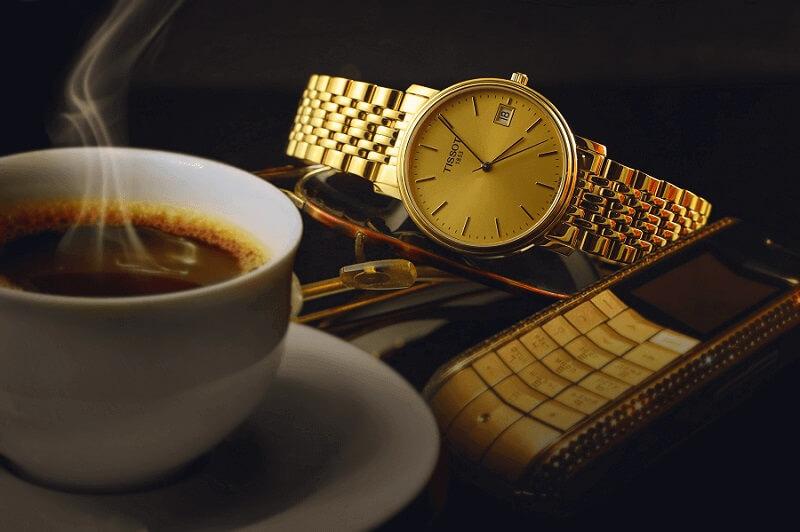 Cách vệ sinh đồng hồ mạ vàng tại nhà - Biến cũ thành mới