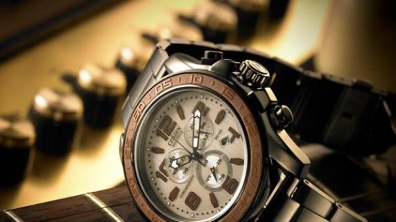 Lịch lãm với đồng hồ Citizen dây kim loại