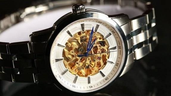 Đồng hồ cơ lộ máy chính hãng giá tốt: Cẩn thận chọn cho chuẩn!