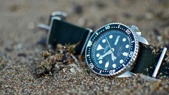 Tất tần tật về đồng hồ nam dây vải thương hiệu Seiko