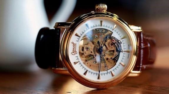 Những kiến thức cần biết trước khi mua đồng hồ nam tại TPHCM