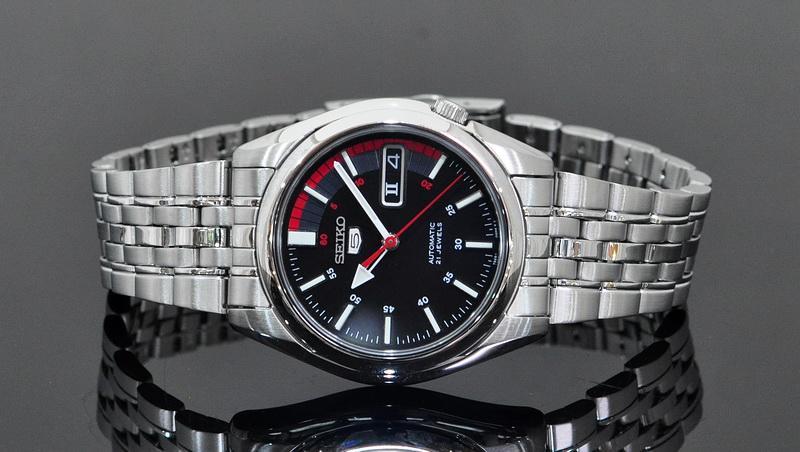 Lựa chọn địa điểm bán đồng hồ Orient chính hãng có thật sự khó?
