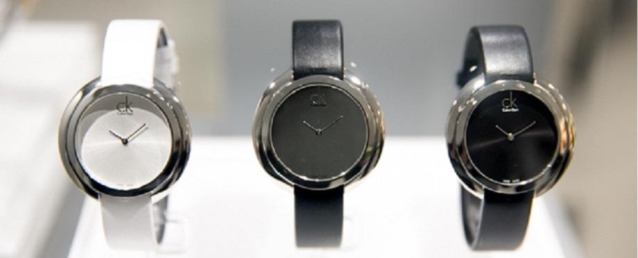 Đồng hồ quartz nữ dây da- thanh nam châm thu hút phái yếu