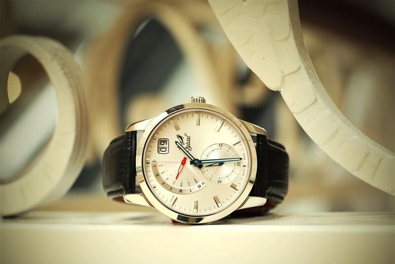 Các dấu hiệu nhận biết đồng hồ Ogival chính hãng