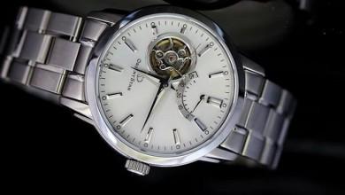 Đánh giá đồng hồ Orient Star Standard Date và Omega Aqua Terra