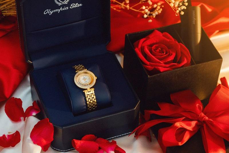 Chọn đồng hồ làm quà tặng phái nữ cần lưu ý những gì?