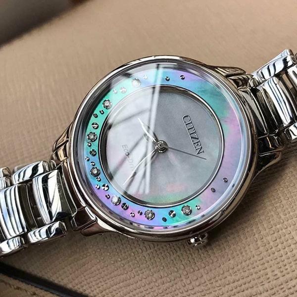 Đồng hồ Citizen mặt xà cừ