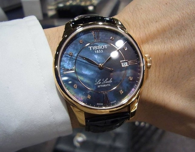 Đồng hồ Tissot mặt xà cừ