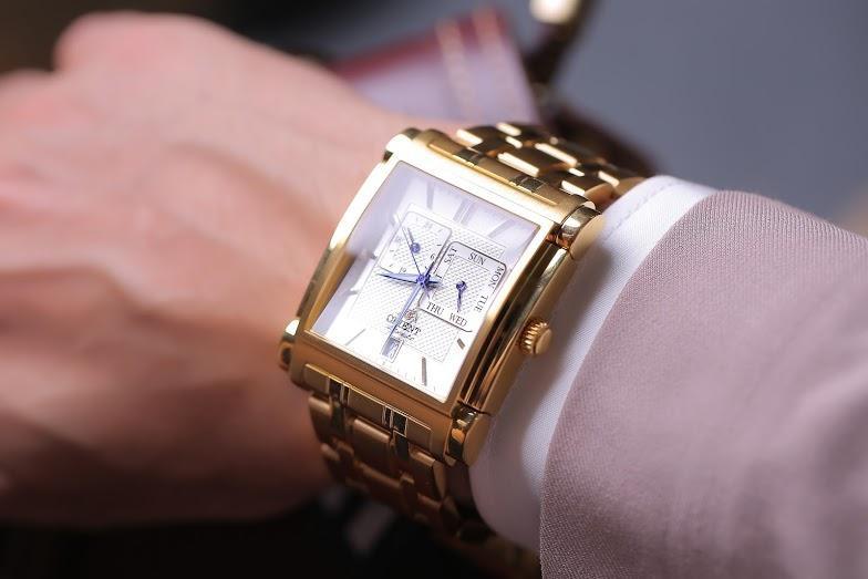 Đồng hồ Orient mặt vuông FETAC001W0